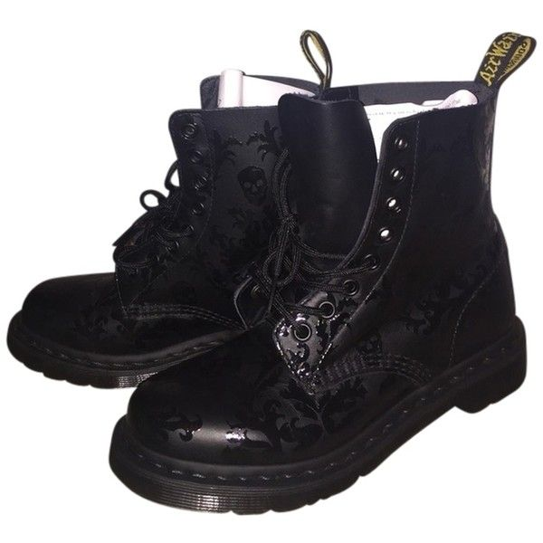 "Pre-owned Dr. Martens ""cassidy"" Black Boots ($113) ❤ liked on Polyvore featuring shoes, boots, black, dr martens boots, pre owned shoes, dr. martens, kohl shoes and i love shoes"