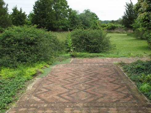 26 best brick laying patterns images on pinterest decks for Best way to lay out a garden