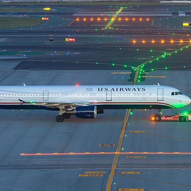 Night Flight - US Airways Airbus A321 at SFO by @world_aviation99