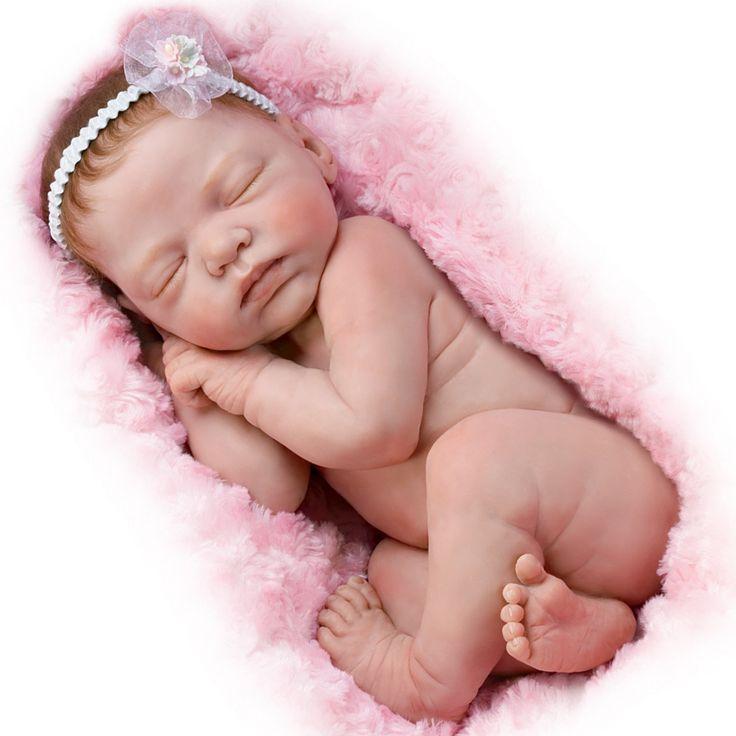 Amazon.com - Ashton-Drake Cuddle Me Lifelike Newborn Baby ...