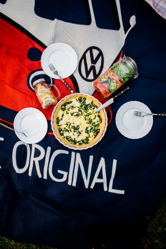 Picnicing is so much fun! And with these 3 simple recipes, you don't need much preparation. If you're looking for more inspiring recipes and tutorials, make sure to visit the Food Bloggers for Volkswagen board https://www.pinterest.de/volkswagen/food-bloggers-for-volkswagen/