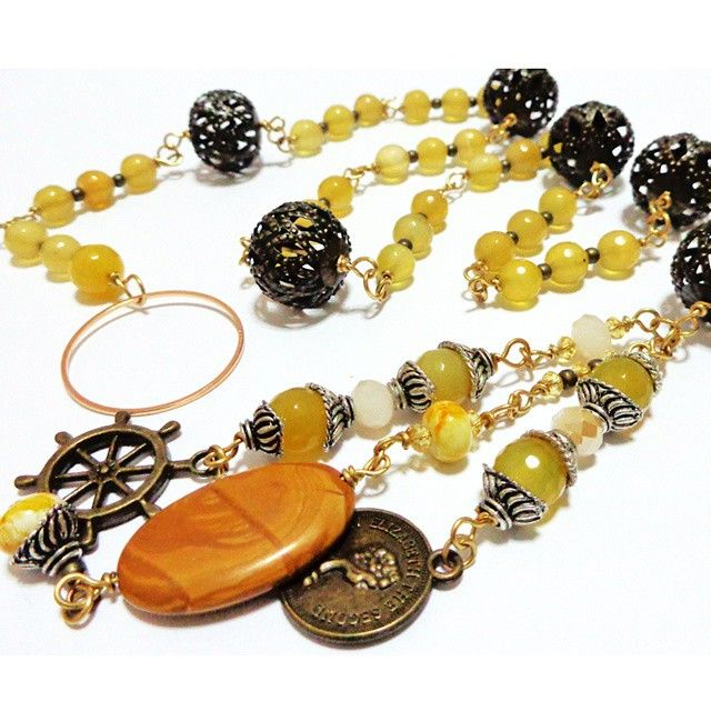A closer look of the #yellow #lariat #necklace #kalung