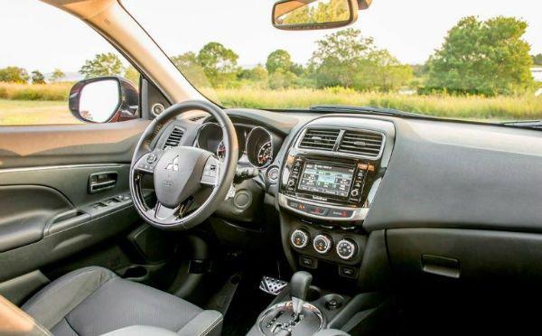 2019 Mitsubishi Outlander Interior | Mitsubishi | Mitsubishi