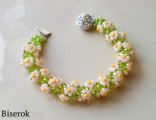 Flower spiral bracelet. Full tute but translate. #Seed #Bead #Tutorials
