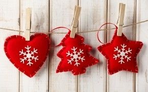 Handmade Red Christmas Ornaments HD Wallpaper
