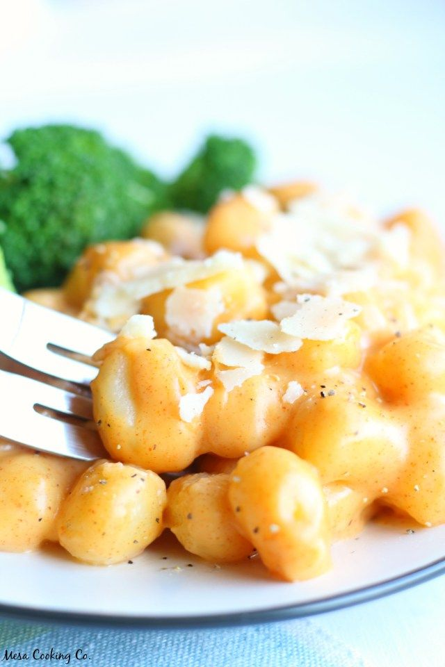 "Gluten-Free Gnocchi ""Mac"" and Cheese // www.mesacookingco.com"