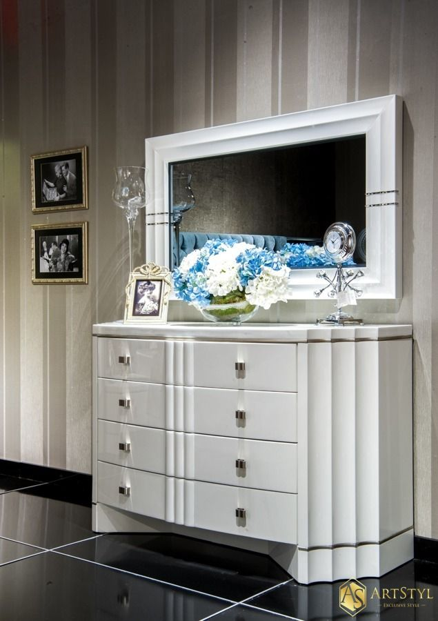 Stylowa Toaletka z lustrem Borromini