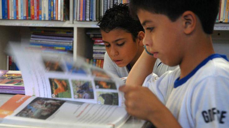 Distúrbio, que afeta cerca de 5% da população brasileira, atrapalha a leitura e a escrita. Alguns comportamentos indicam que a criança é disléxica