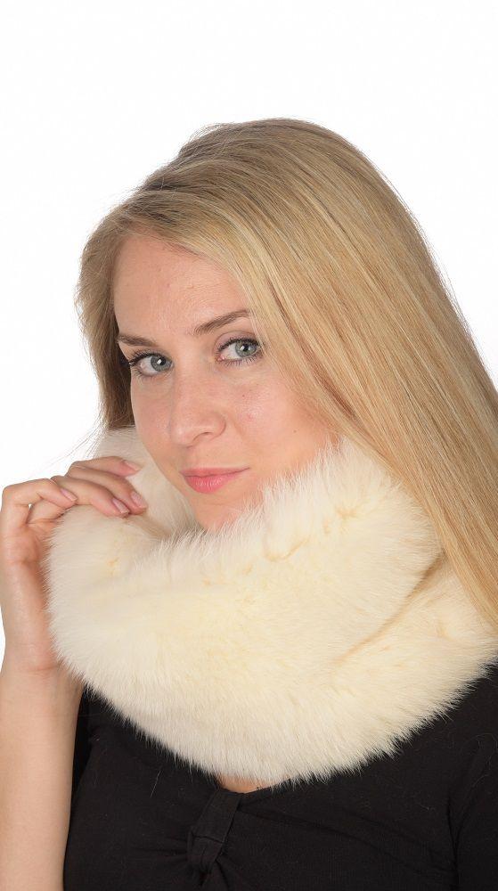 Caldo scaldacollo in vera volpe bianca-crema naturale. Ideale anche per spose e matrimoni d'inverno. Prodotto lavorato artigianalmente a mano. Made in Italy.  www.amifur.com