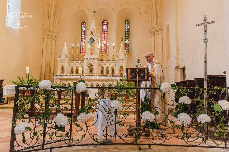 Décoration d église  Bouquets de bancs  Chaises  Autel bougies  Fleuriste Bordeaux