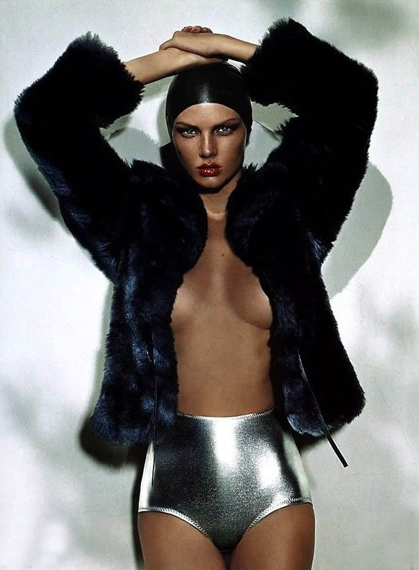 "Sports Luxe ☆ ""The Pool Side Story"" POP, Autumn/Winter 2002-03  Ph: Mert Alas & Marcus Piggott Model: Angela Lindvall"