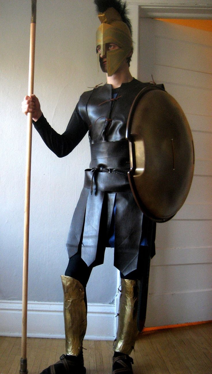 Chuck Does Art: DIY Spartan Hoplite Costume