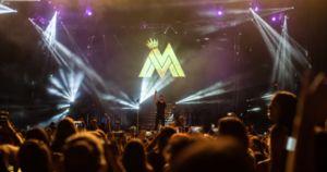 http://ift.tt/2l1uzqG http://ift.tt/2kRqEdG  Ante un marco imponente el artista colombiano desfiló por el anfiteatro de la ciudad de Baradero. Público de todas las edades cantó bailó vibró y gozó de un show de calidad con una puesta en escena a la altura de las mejores producciones internacionales. En el marco del #MalumaWorldTour con el que realizó una histórica gira durante el 2016 logrando un impresionante éxito Maluma conquistó aún más los corazones de sus fans. El fenómeno habla por sí…
