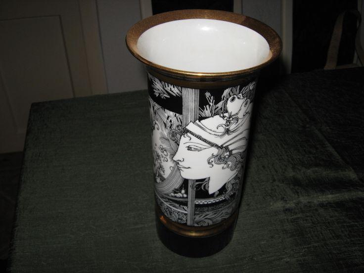 HOLLÓHÁZI  váza (  Szász Endre )