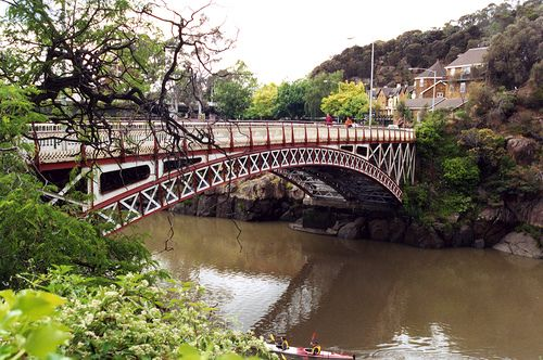 King's Bridge, built in 1863-1903, at the entrance to the Cataract Gorge, Launceston, Tasmania.