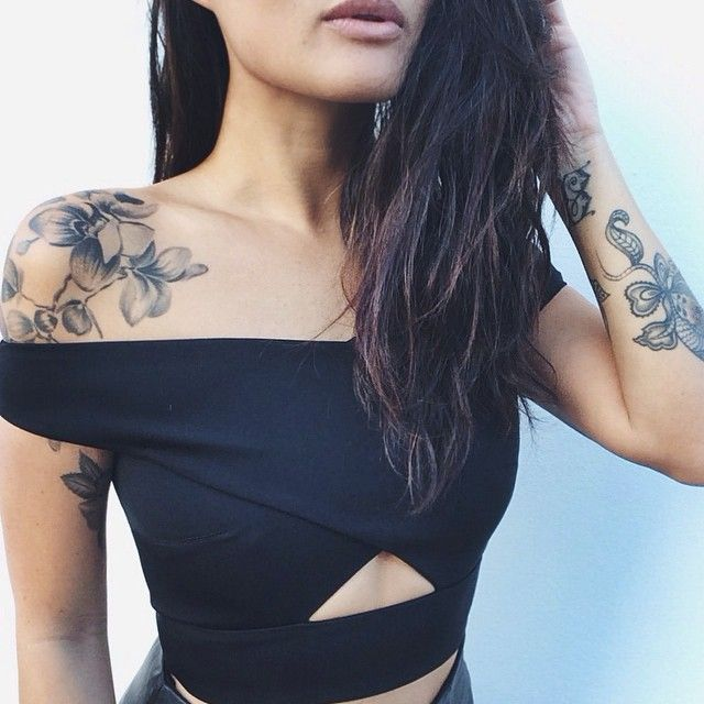 186 best tattoos images on pinterest for Feminine shoulder tattoos