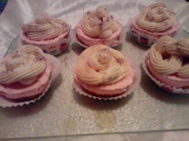 Σαπουνένια cupcakes με άρωμα φράουλας, βανίλιας κ σοκολάτας...