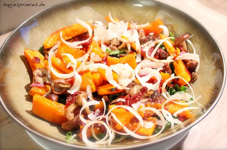 salade met pompoen, parma en shiitake serax