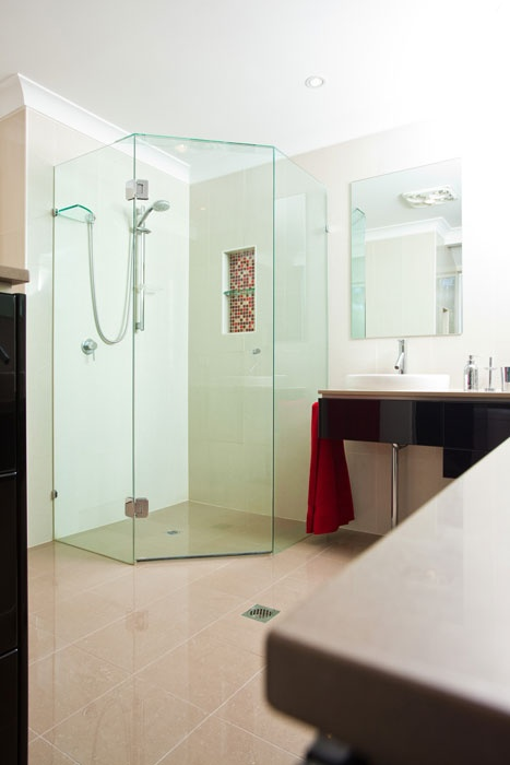 Corner Shower Frameless