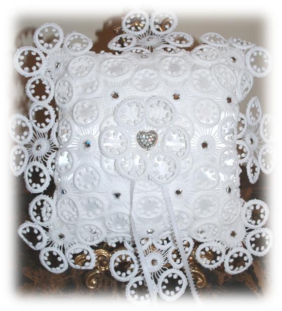 """""""Splendour"""" Wedding Ring Pillow"""
