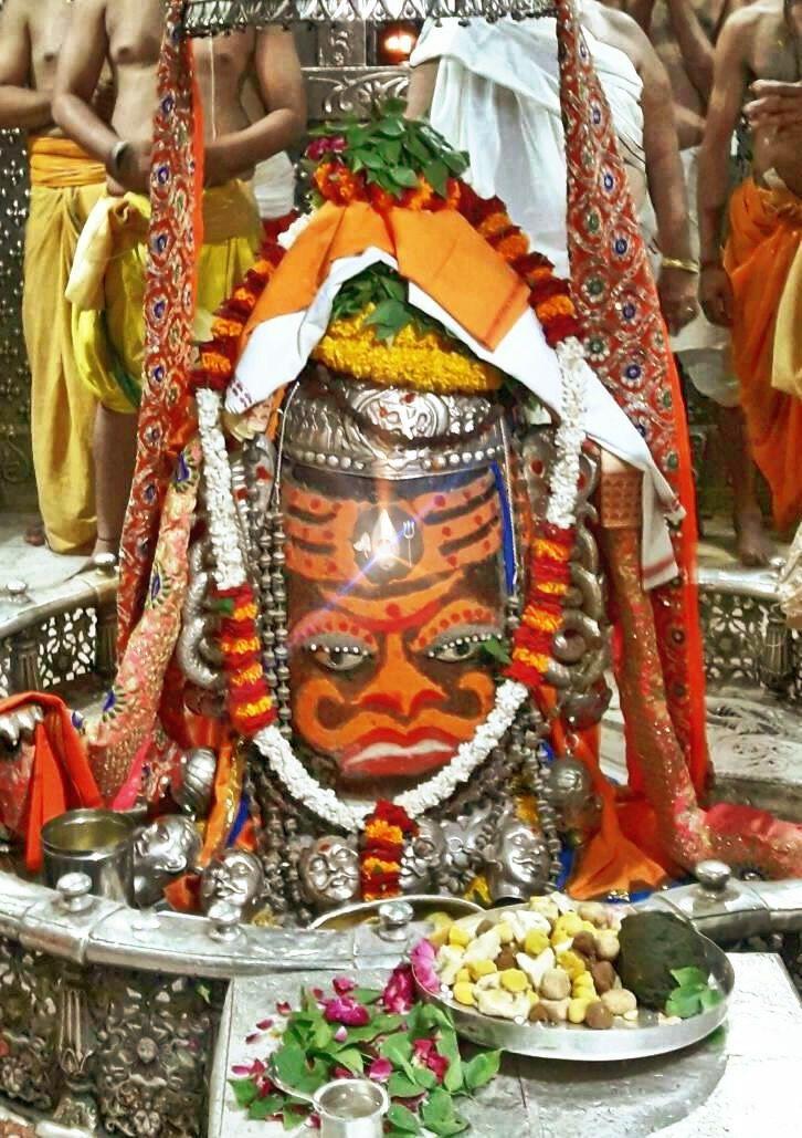 #Bhasma #Aarti pic of Shree #Mahakal #Ujjain - Jun 20  #god #shiv #shiva #shivay #bholenath #mahadev #mahakaleshwar #jyotirling #jaibholenath #jaimahakal #om #omnamahshivay #harharmahadev #ॐ #महाकाल #भस्म #आरती #शिव #महाकालेश्वर #उज्जैन #mptourism #madhyapradesh #tourism #travel #incredibleIndia