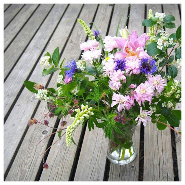 Tee-se-itse boheemi hääkimppu.  Boheemin kukkakimpun kukat voi kerätä luonnosta ja puutarhasta.  DIY Boho Wedding Bouquet.