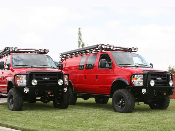 """While looking at an Aluminess bumper for my friend's FJ (OK, for my imaginary F350 too), I looked at these modified """"rescue"""" vans.  Mrs Mimo doesn't get it at all, but I think they're kind of cool.  No?"""