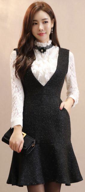 StyleOnme_Sparkly Mermaid Silhouette V-Neck Dress #black #dress #v-neck #koreanfashion #kstyle #kfashion #seoul #feminine #falltrend