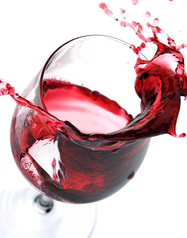 3D Cabernet Sauvignon & Colombard Vin Blan - Packaging by Tim Cooper 3D Image Creation, via Behance #liquid