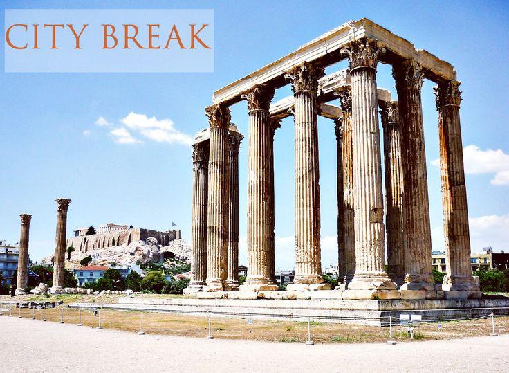 Alege un City Break intr-o zona plina de istorie! Templul Olimpianului Zeus este o atractie turistica pe care nu o poti rata! Aceasta dispunea de 104 coloane realizate in stil corintic. Doar 15 coloane ramase in picioare sunt vazute astazi si se pot vizita, iar cea de-a 16-a a fost deramata in timpul unei furtuni in anul 1852. http://goo.gl/wznoG1
