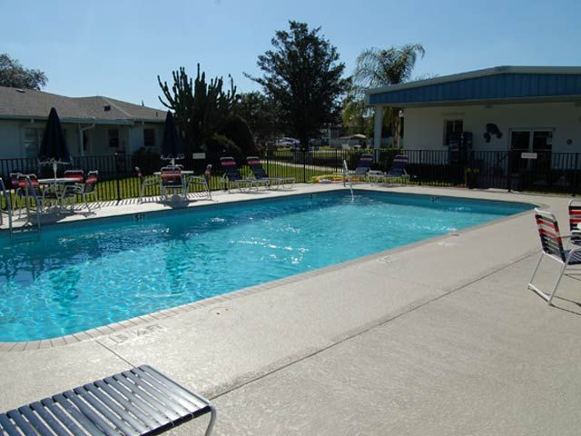 55+ Community in Florida / Little Manatee Springs / Providence by Hometown America - Pet Friendly with restrictions