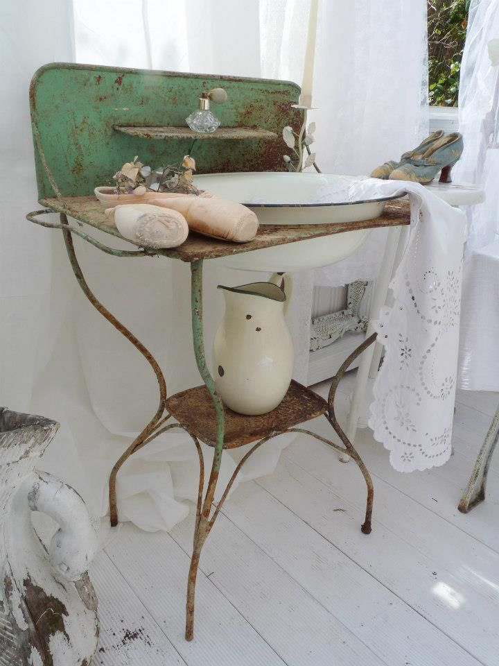 Isn't this an amazing old enamel sink from Europe? I have one like this for sale in my room at Ivy's Porch.