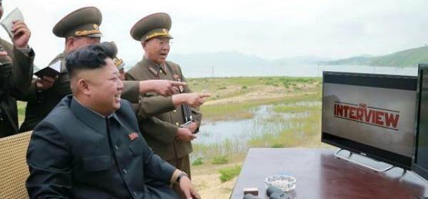 Sony's #NoordKorea-comedy #TheInterview scoort beste IMDB-rating ooit, terwijl niemand 'm zag: http://www.bright.nl/het-internet-reageert-een-10-voor-interview…