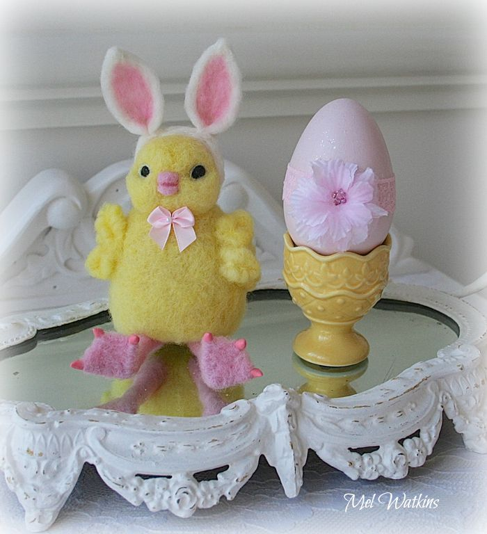 needle felted chic with bunny ears and her egg cup - Feldstein Kaminsimse