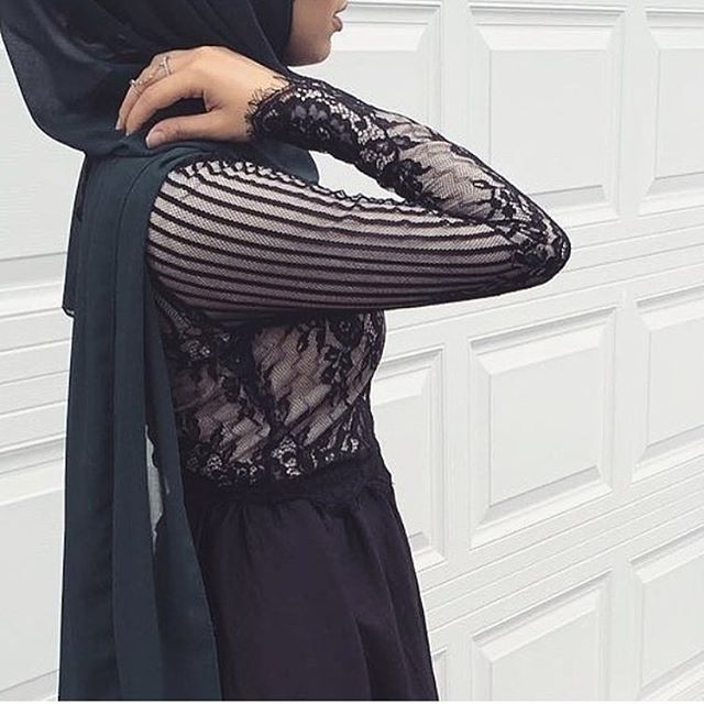 @siramwrap can dress!!! Whenever you need a plain hijab wrap you cannot go wrong with our Premium Black Chiffon. #hijab #fashion #hijabfashion #modestfashion #ootd