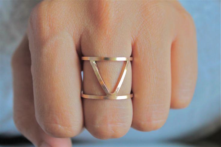 14k Column Ring on @BRIKA