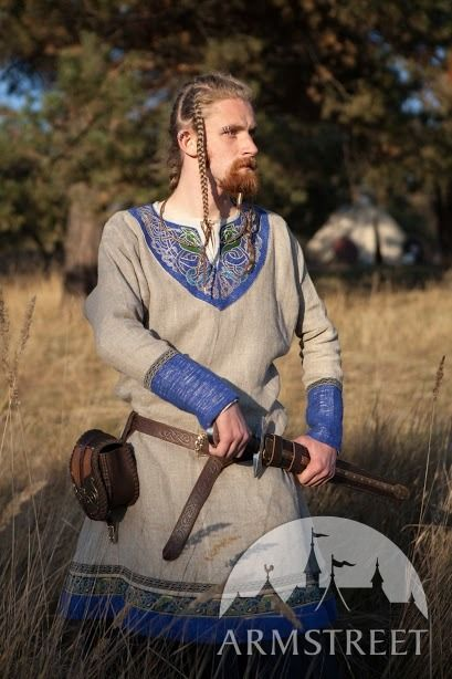 """Viking Tunic """"Jarl Eric"""". However, this would make a fine tunic suitable for Twelfth Century re-enactment."""