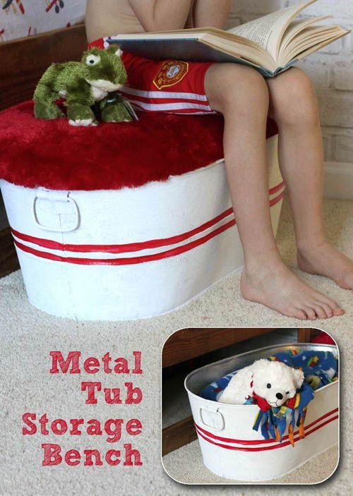 Original idea para convertir un rústico barreño galvanizado, en un baúl de juguetes. También podemos usar la idea, para crear un banco, con espacio para almacenaje, para cualquier otra habitación. - Pretty Handy Girl