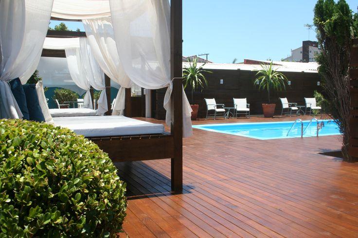 Nova piscina da Pousada dos Chás Hotel Boutique em Jurerê! Totalmente reformada em 2014.