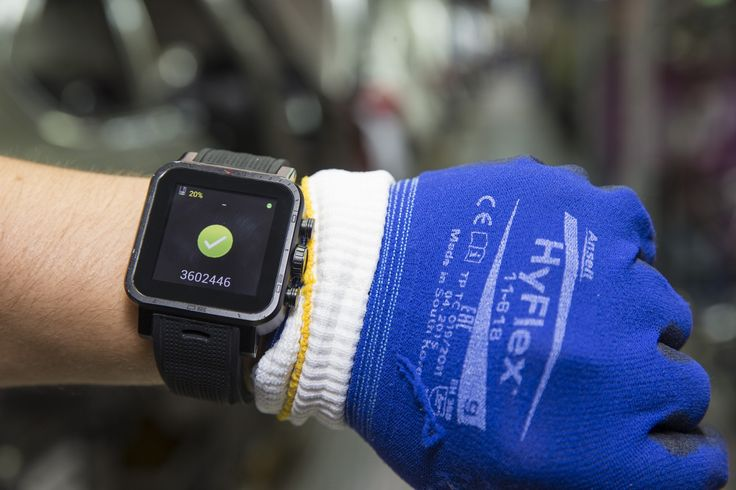 Smartwatch supports assembly work