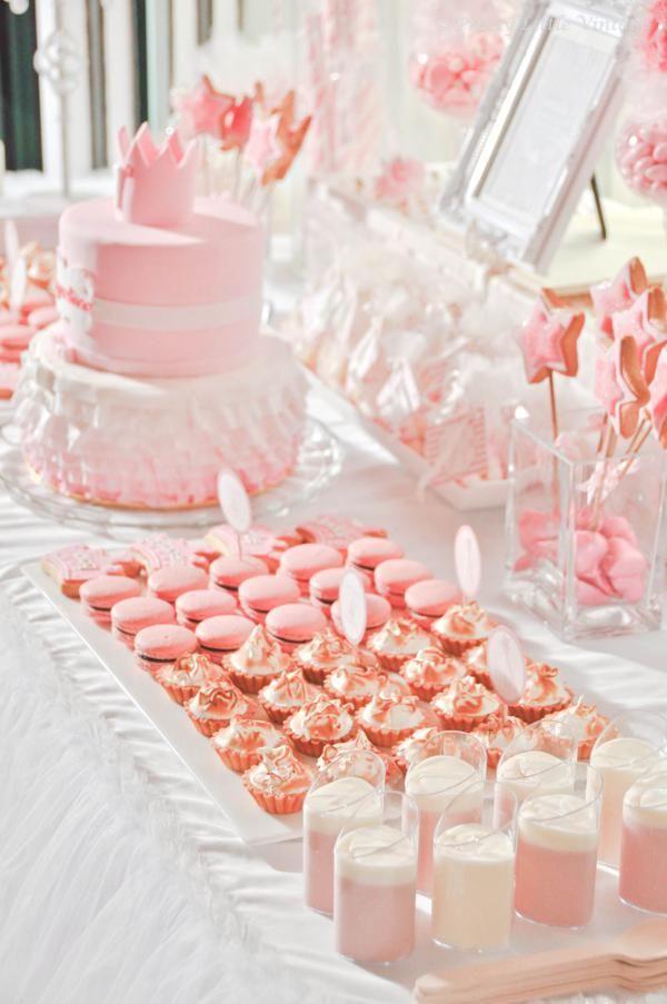 Una preciosa mesa en rosa para una fiesta princesa / A lovely pink table for a princess party