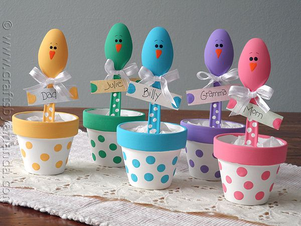 Easter Chick Craft: Colorful Place Holders from CraftsbyAmanda.com @Amanda Formaro