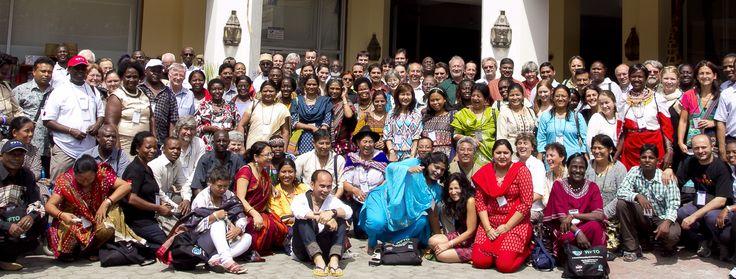 La grande famiglia dell'organizzazione mondiale del #commercioequo #WFTO riunita a Mombasa (Kenya)