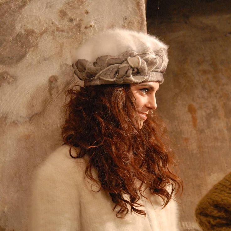 La bella Martina in attesa degli scatti del fotograto @lorefras ! Grazie @annamadonia Hairdress!  #livorno #hat #style #fashion #womenfashion #instaitalia #instaitaly 2 #instaitaly_photo #instaitaliangirl #madeinitaly #arte #artigianato #artigian #cappello #hat #matrimonio #tuscany #moda #ragazza #amicizia #gioco #funn #enjoy #model