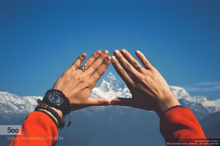 socialfoto:  Himalayas in your Hands by jankovoy #SocialFoto