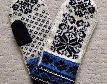 Wool Mittens Norwegian Scandinavian folk art, hand crafted, 100% Wool, Snowflake Fair Isle