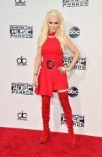 Jenny McCarthy attends the 43rd American Music Awards in LA http://celebs-life.com/jenny-mccarthy-attends-43rd-american-music-awards-la/  #jennymccarthy