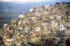 terremoto 1980 immagini di morte