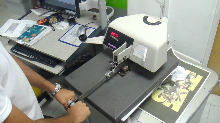 MAQUINAS DE ESTAMPARIA - CUSTO X BENEFÍCIO  Já falamos aqui, como estampar camisetas em casa , quais são as formas de estamparia, o que é preciso ter, além, é claro, da máquina...