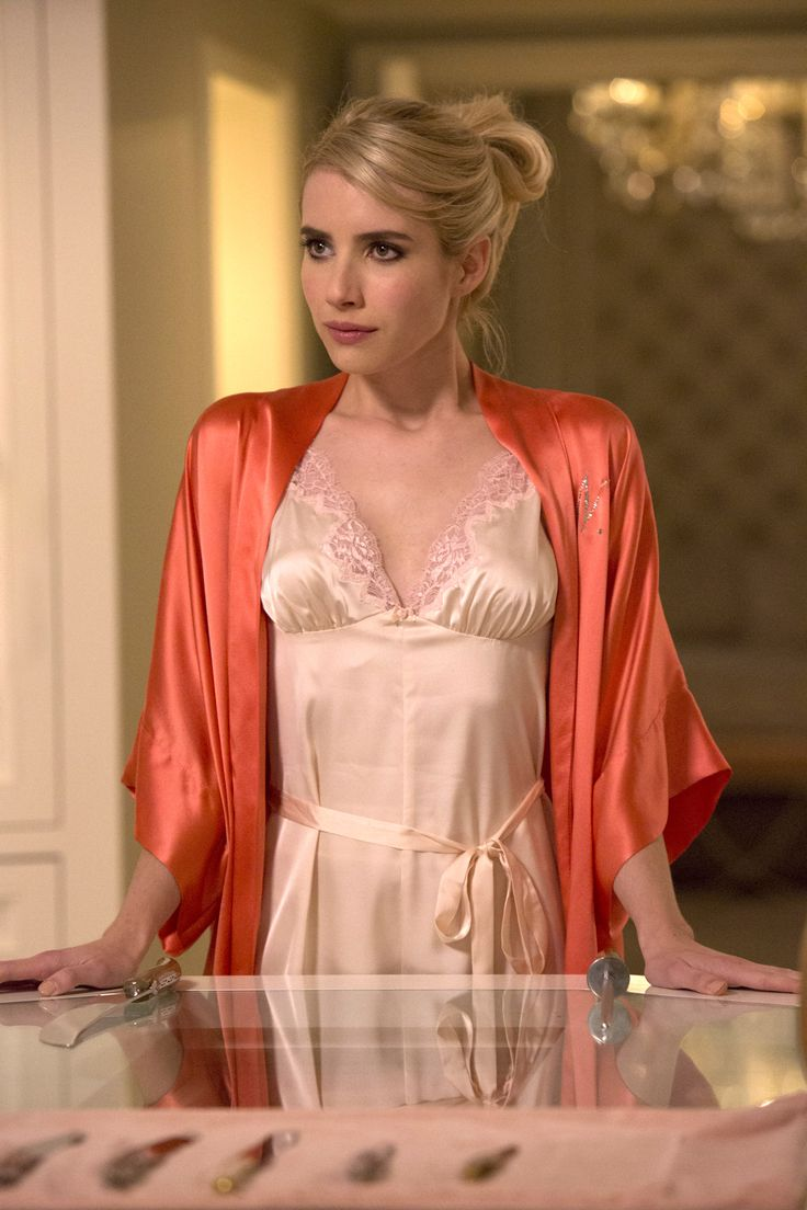 SCREAM QUEENS Emma Roberts as Chanel Oberlin in the Haunted House episode of SCREAM QUEENS airing Tuesday, Oct. 6 (900-1000 PM ETPT) on FOX. ©2015 Fox Broadcasting Co. Cr Hilary GayleFOX.
